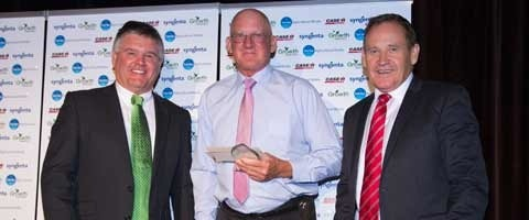 Rimfire Resources Managing Director Mick Hay, past Growth Awards winner Ray Harrington, and Syngenta Australia-New Zealand Territory Lead Paul Luxton.