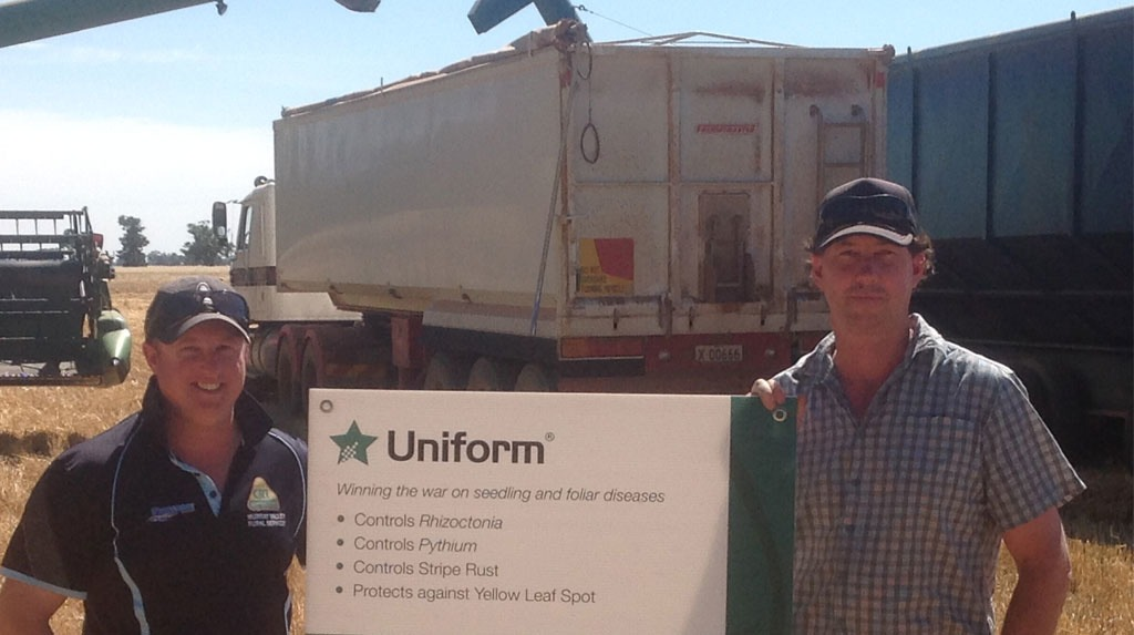 Brendon Ackerly (RHS) with his agronomist Andrew Parr (LHS) from Murray Valley Rural, Berrigan.