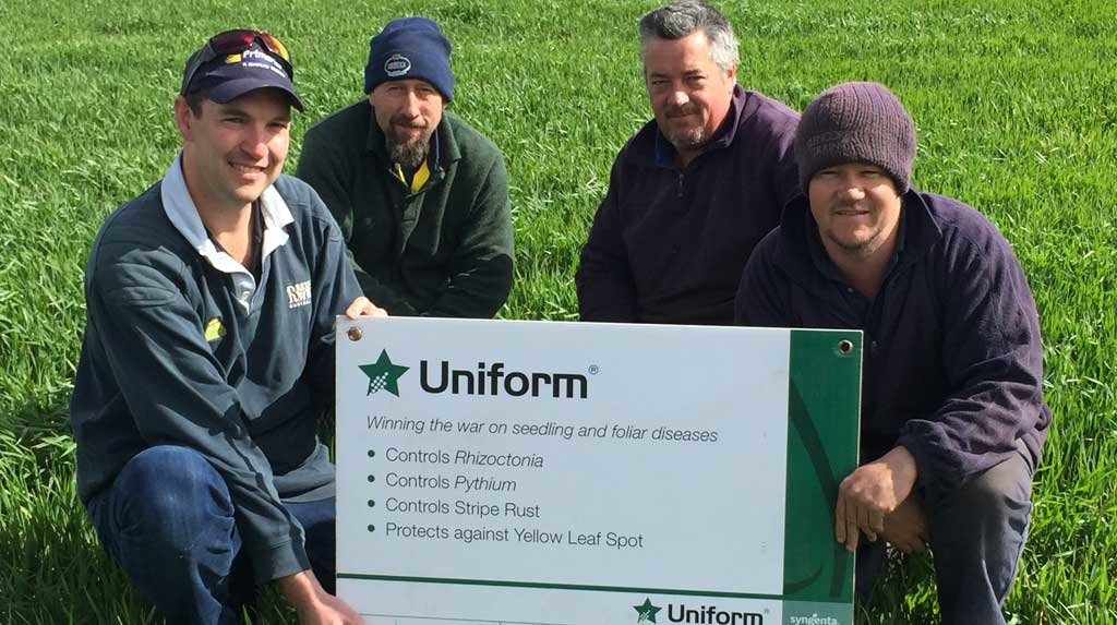 (L to R) Tom McInerney, Primaries Gnowangerup, Agronomist Glenn Nichols and Boom Spray Operator, and Brad & Wayne Tapscott, Farm Owner/Operators.